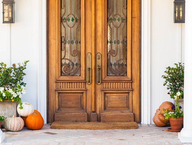 Le choix de porte d'entrée en bois pour l'esthétisme et l'écologie